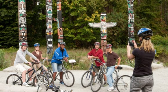 group_tour_cycling_through_Stanley_Park